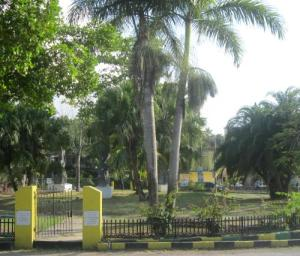 Roundabout in the centre of Negril